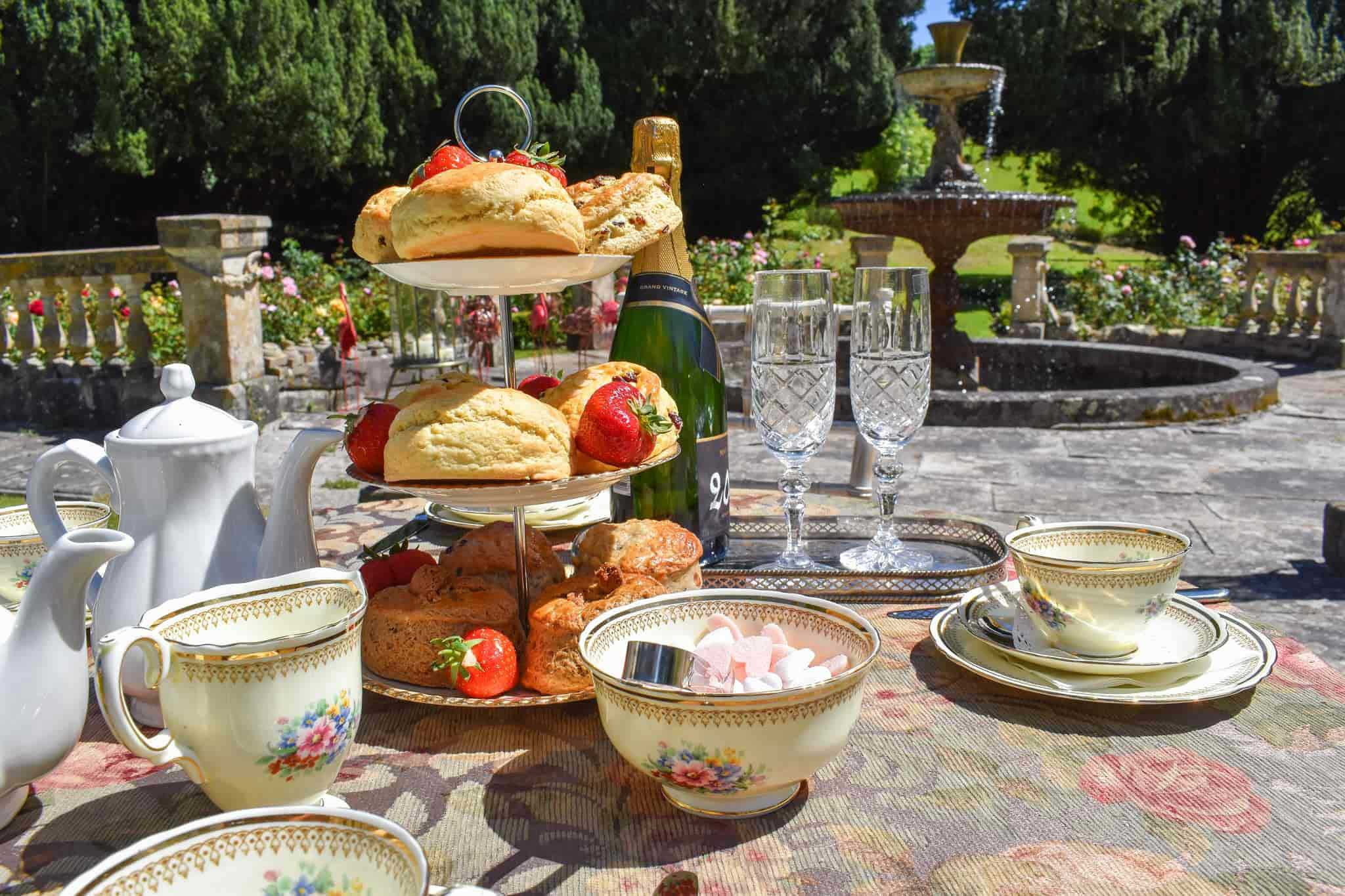 picture of a cream tea at Lupton House